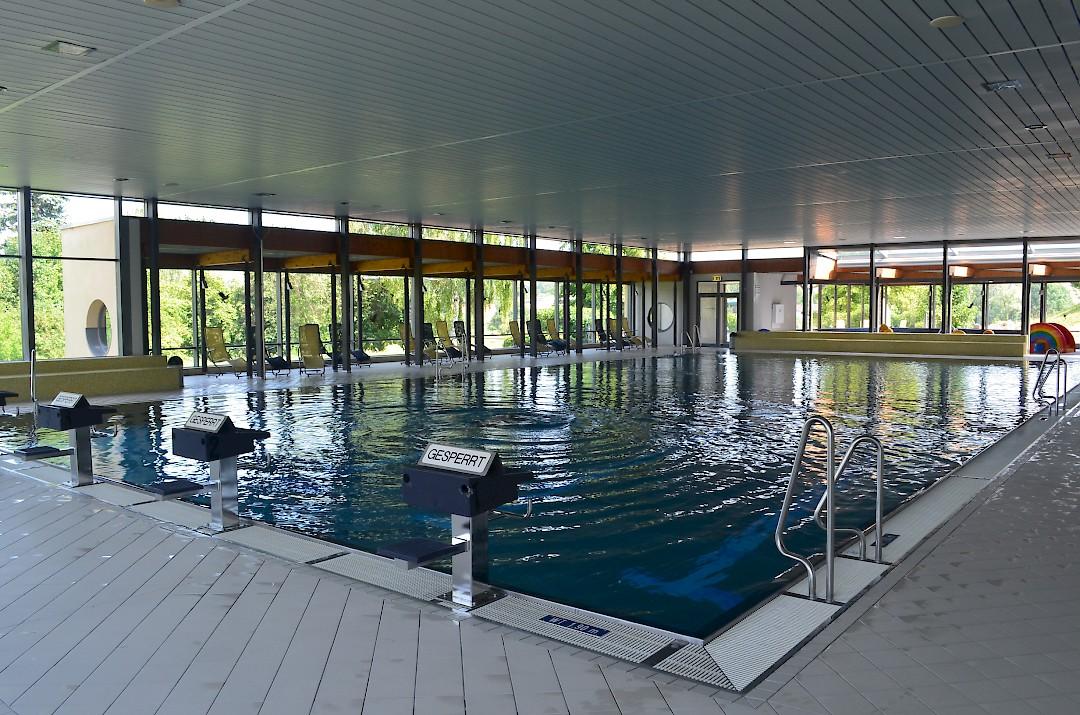 die schwimmlandschaft jurawell freizeitbad herbrechtingen